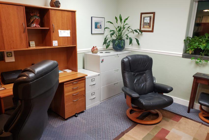 1300 PIC OFFICE INSIDE 2